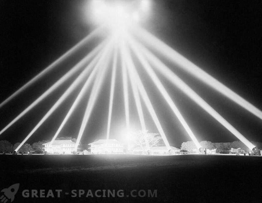 Nesreča v Los Angelesu - 1942. Vojska je streljala v nebo, vendar ni razumela, na koga so si prizadevali